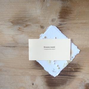 Ruční papír malý se semínky totenu menšího