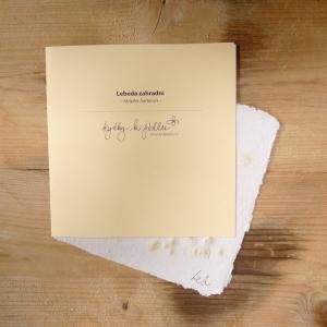 Ruční papír velký se semínky lebedy zahradní