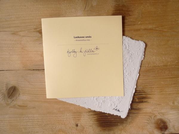 Ruční papír velký se semínky laskavce ohnutého a laskavce ocasatého